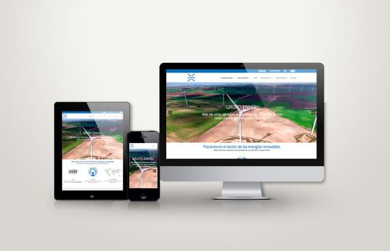 web responsive de enhol vista en tres pantallas, tablet, móvil y ordenador